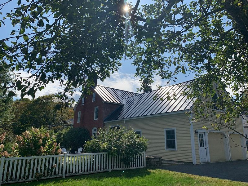 Historic Vermont Village Home & Guest Suite - Hike, Bike, & Relax, holiday rental in Chester