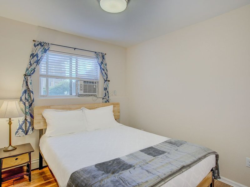 2 BD Value-Stay | Dog-friendly!, holiday rental in Cimarron Hills