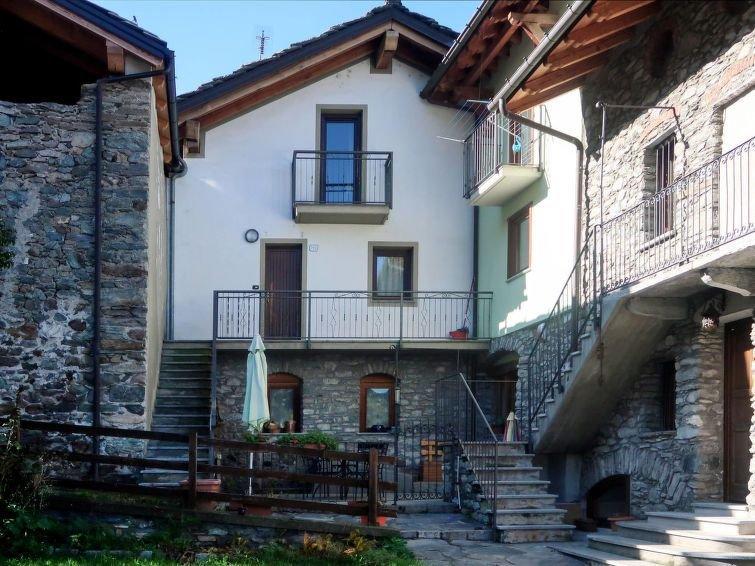 Ferienwohnung Contadino (AOT300) in Aosta - 3 Personen, 2 Schlafzimmer, vacation rental in Aosta