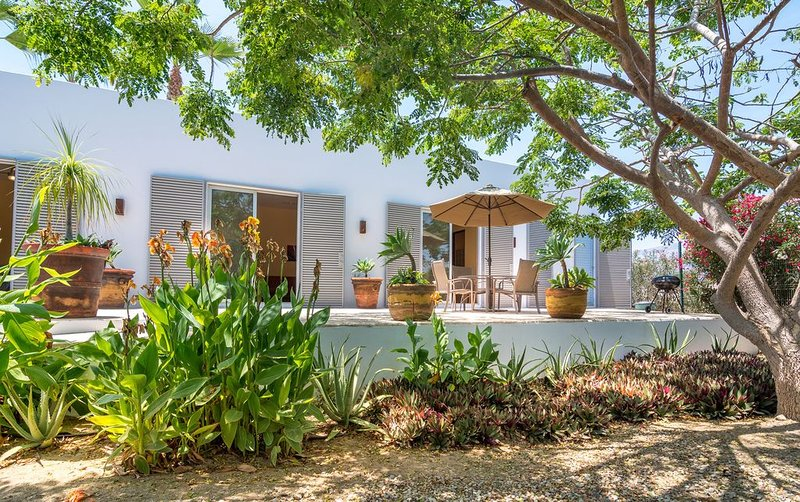 Modern Guest House at the Beach : ), vacation rental in Todos Santos