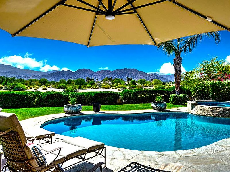 PGA WEST Unobstructed views, Mountains, Golf Salt water pool SAFE, CLEAN, SECURE, casa vacanza a Mecca
