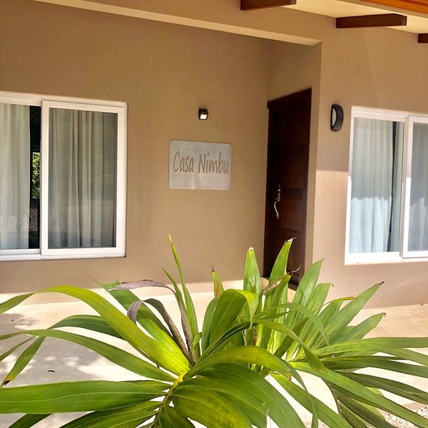 Beautiful & Brand NEW 4 BR Costa Rica house w/ private pool near Playa Conchal, vacation rental in Brasilito