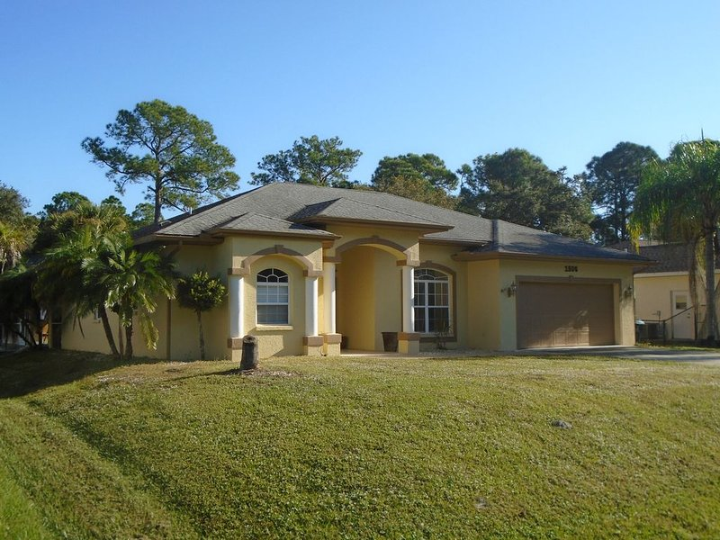 Relax in North Port, Florida - Close to Everything!, vacation rental in North Port