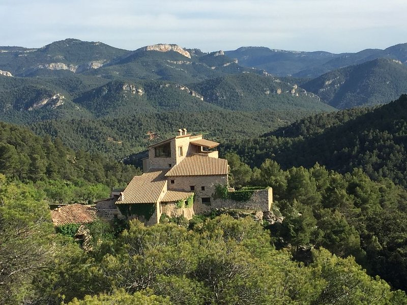 Breathtaking Country House in Spain's Secret Wilderness, location de vacances à Beceite