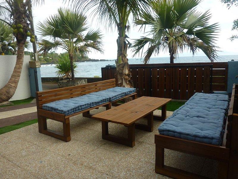 Villa Bleu Océan - Manapany les Bains  - Pieds dans l'eau, vacation rental in Petite-Ile