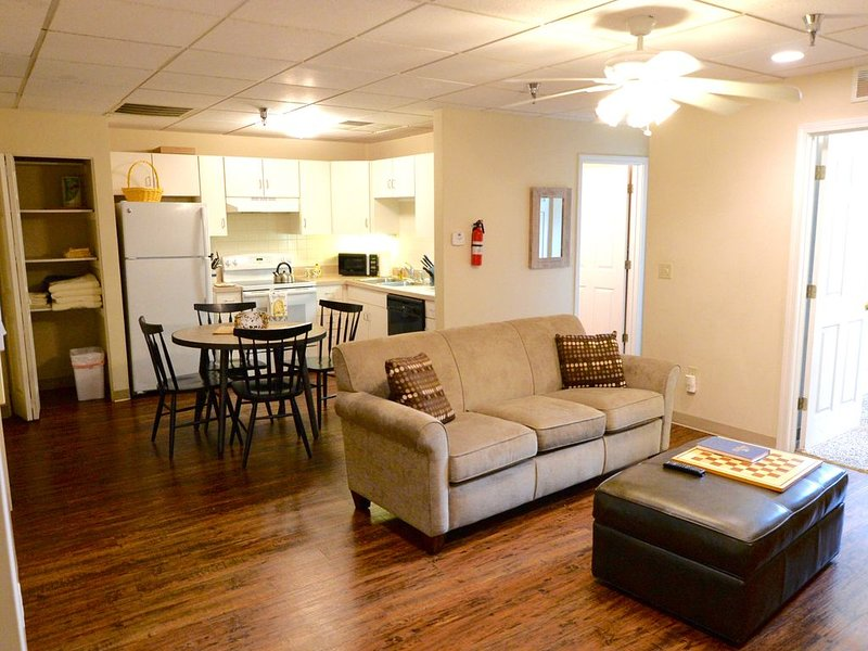 Bee on Broadway - Downtown Columbia, holiday rental in Columbia