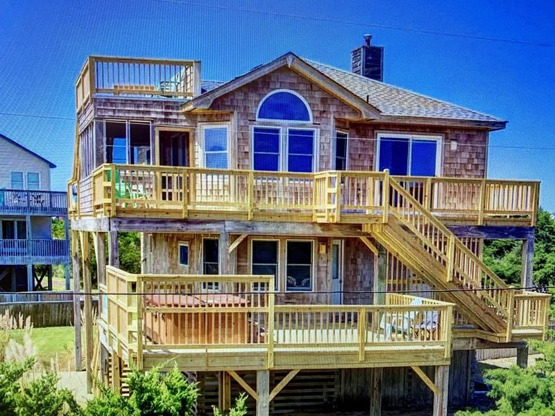 Breezy Day's at the Beautiful Beach and Historic Rodanthe Pier!, casa vacanza a Rodanthe