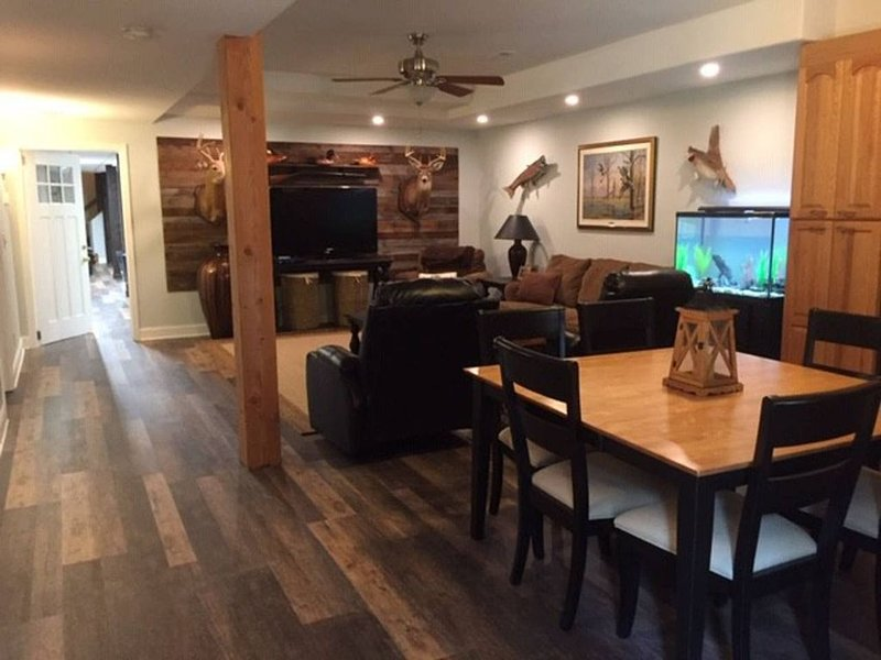 *1800 Sq Ft Private Apartment in Country Home. WFU, DTWS, BBT Soccer, Tanglewood, vacation rental in Lewisville