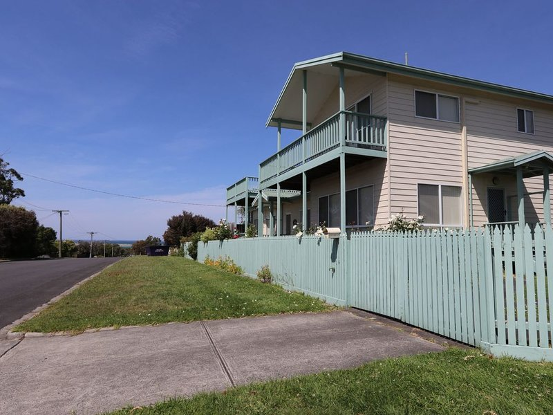 BEST VIEWS IN INVERLOCH...YOU BE THE JUDGE!, holiday rental in Loch