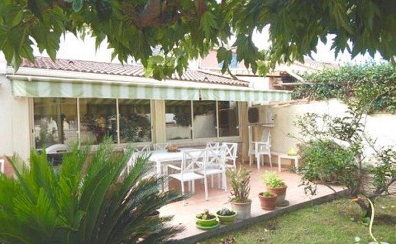 Villa  bord  de  mer avec terrasse et jardin, holiday rental in Penta-di-Casinca