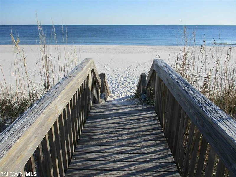 March avail * $99/n! Best of Both Worlds! Lagoon & Gulf Beach! Gorgeous Sunset!, vacation rental in Gulf Shores