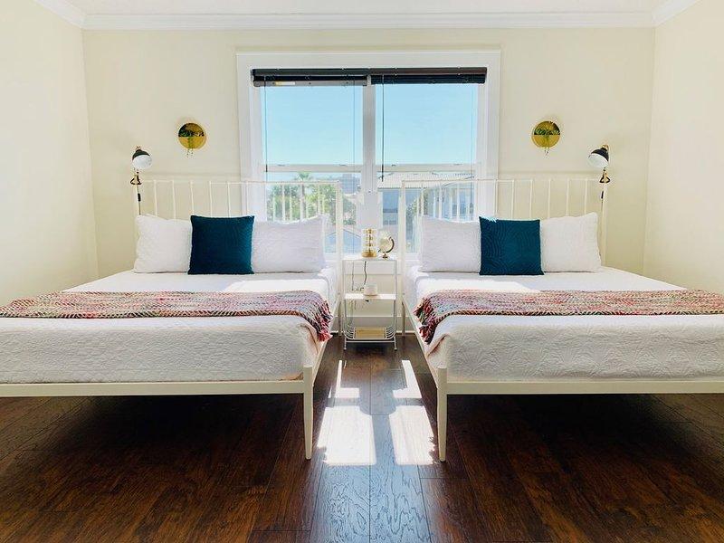 Home for reunions | weddings | groups - sleeps 20, alquiler vacacional en Jacksonville Beach
