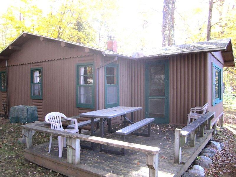 Lake Shishebogama Cottage on Moonlight Bay, location de vacances à Hazelhurst