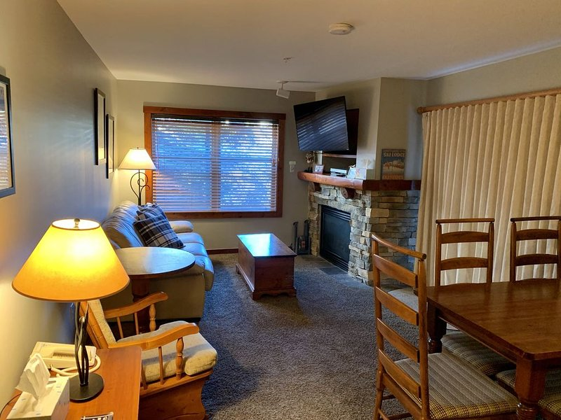Rimfire 2 Br, 2 Bath Condo; Ski-In/Ski-Out, Heart Of The Snowshoe Village, location de vacances à Snowshoe