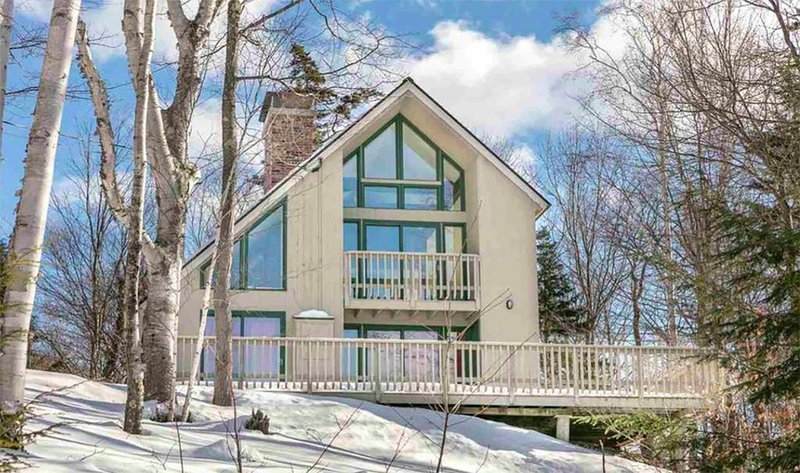 Stratton Mountain Getaway w/ Spectacular Views - New listing!, location de vacances à Les Montagnes Vertes