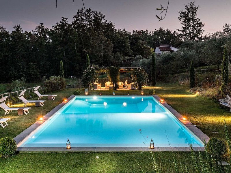 VILLA QUERCIABELLA: Charm, Style and Pool on the Hills of Lucca, location de vacances à San Macario in Piano