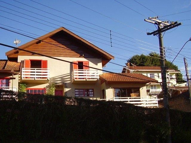 Charmosa casa de campo em Campos do Jordão  4 km do centro Capivari, aluguéis de temporada em Ribeirão Grande