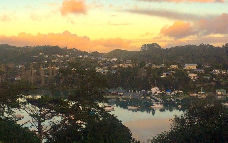 Family Retreat on the Coast, alquiler de vacaciones en Whangaparaoa