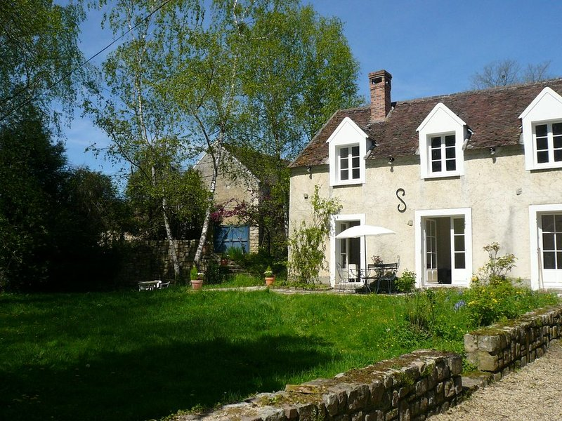 Gîte dans la vallée de l'Orvanne, vacation rental in Vernou-la-Celle-sur-Seine