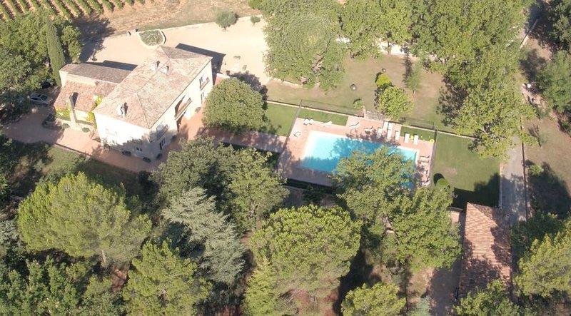 La villa Engardin, raffinée, aux volumes généreux, alquiler vacacional en La Celle