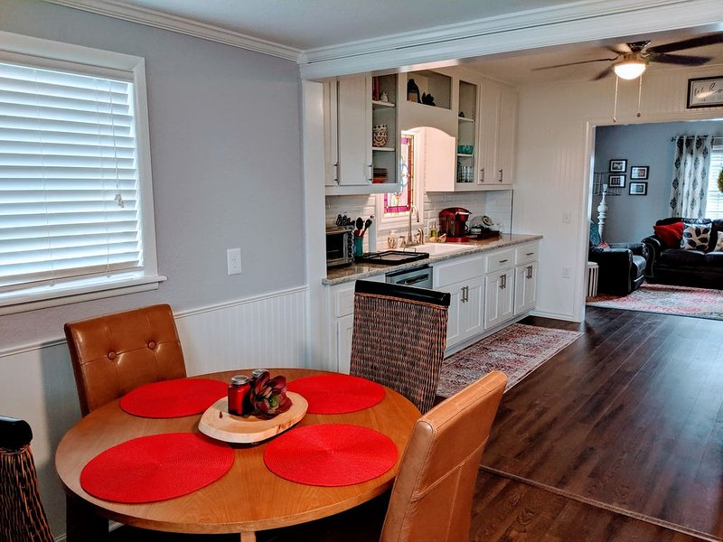 Providing All the Comforts of Home - Where the Little Things Mean Everything, vacation rental in Springdale