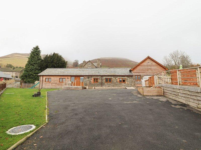 Rhianwen, Plas Moelfre Hall Barns, LLANRHAEADR-YM-MOCHNANT, holiday rental in Llanyblodwel