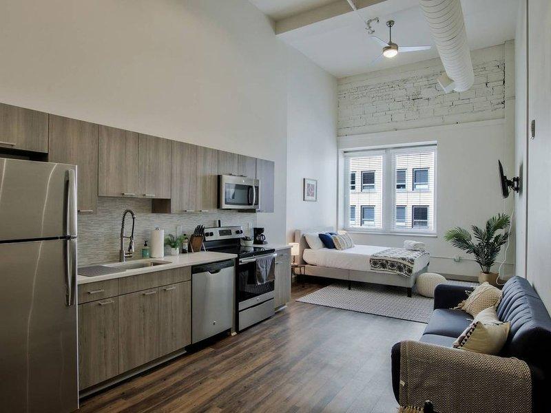Brand New Lux Loft in Downtown Wichita, holiday rental in Sedgwick