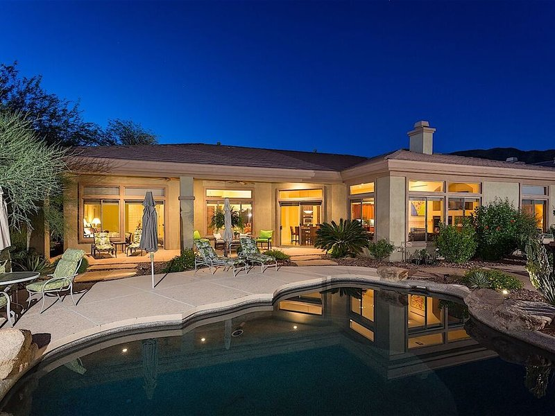 MONTHLY SPECIAL OFFER Caledonia Dream Luxurious Golf Home/ 4 BR/ PVT Pool, holiday rental in Anthem