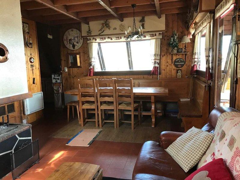 CHALET - SAINT LARY PIEDS DES PISTES - 8/10 PERSONNES - EMPLACEMENT IMPRENABLE, casa vacanza a Tramezaigues