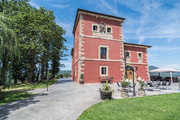 Casa rural (alquiler íntegro) Palacio Horcasitas para 26 personas, holiday rental in Miono