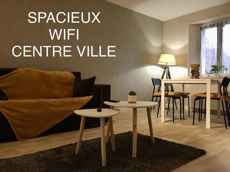**TOUT CONFORT AVEC TERRASSE ET JARDIN PRIVATIFS**, holiday rental in La Celle-sous-Gouzon