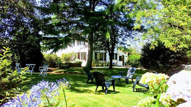 New, Maison avec grand jardin WIFI 110m2 deux trois kms des plage ., location de vacances à Étables-sur-Mer