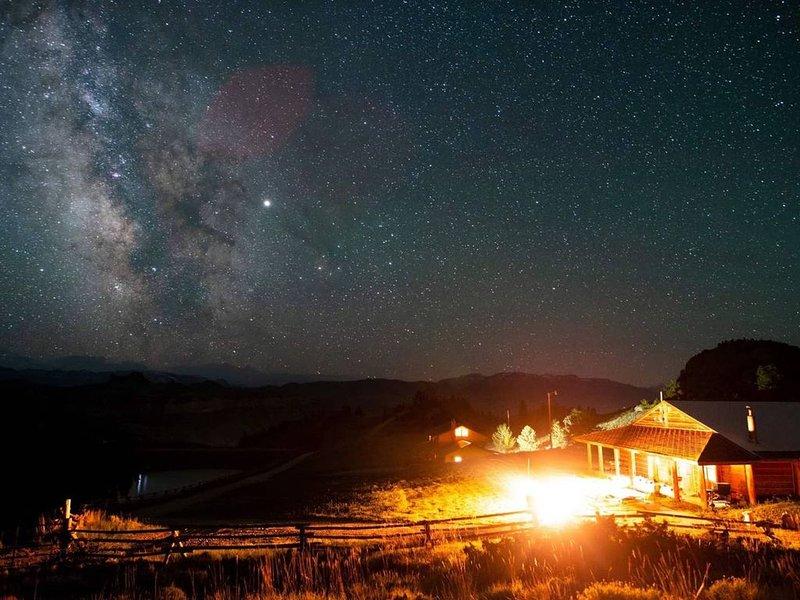 Logan Mountain Cabin, vacation rental in Wapiti