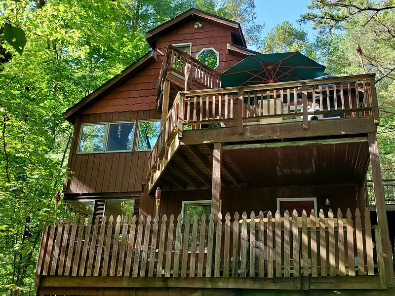 The Lake House (Hocking Hills Area), holiday rental in Lancaster