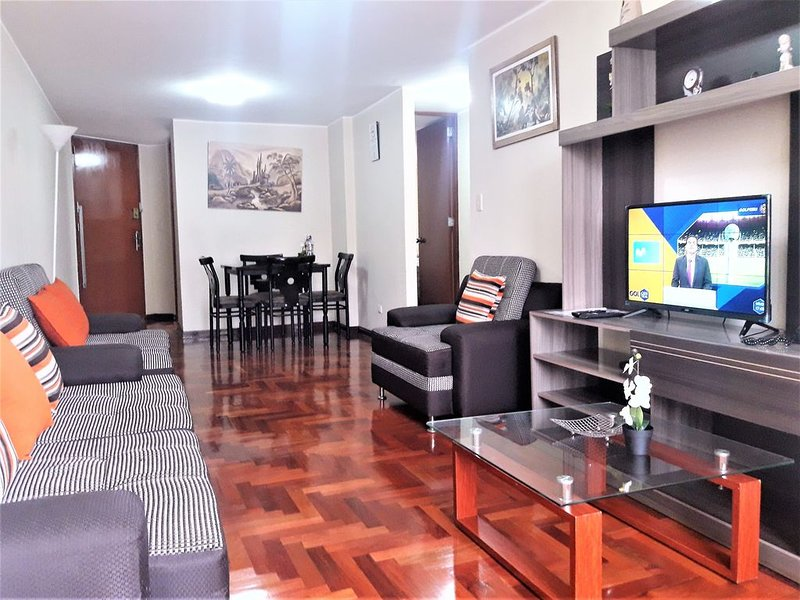 Eral Apartments Lima, nice place, close to Financial Center of San Isidro, holiday rental in Lince
