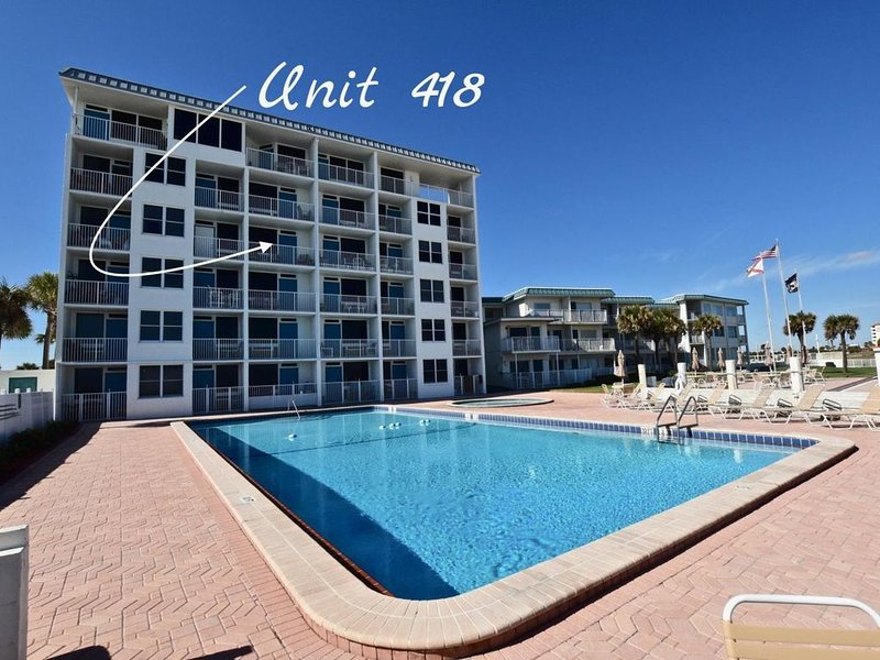 GREAT LOCATION- 1 BR/2 Bath Direct Oceanfront Condo- Free Wi-Fi  new up date, vacation rental in Daytona Beach