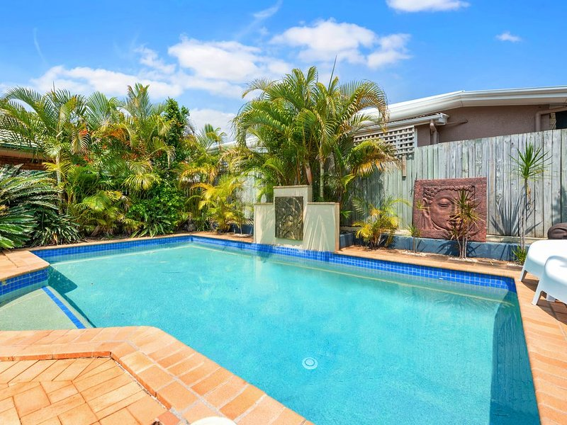 Scarborough Family stay with a Pool, vacation rental in Deception Bay