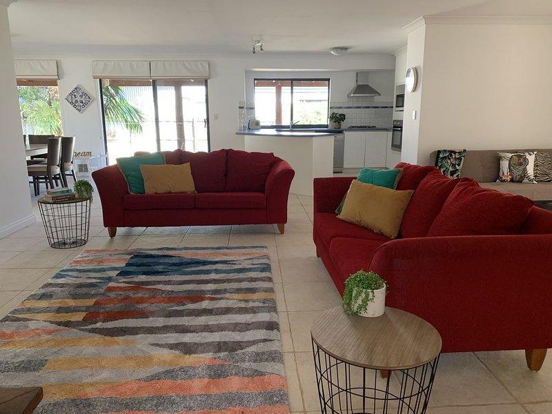 'Allawah' Dunsborough*Pet friendly Holiday Home, vakantiewoning in Anniebrook