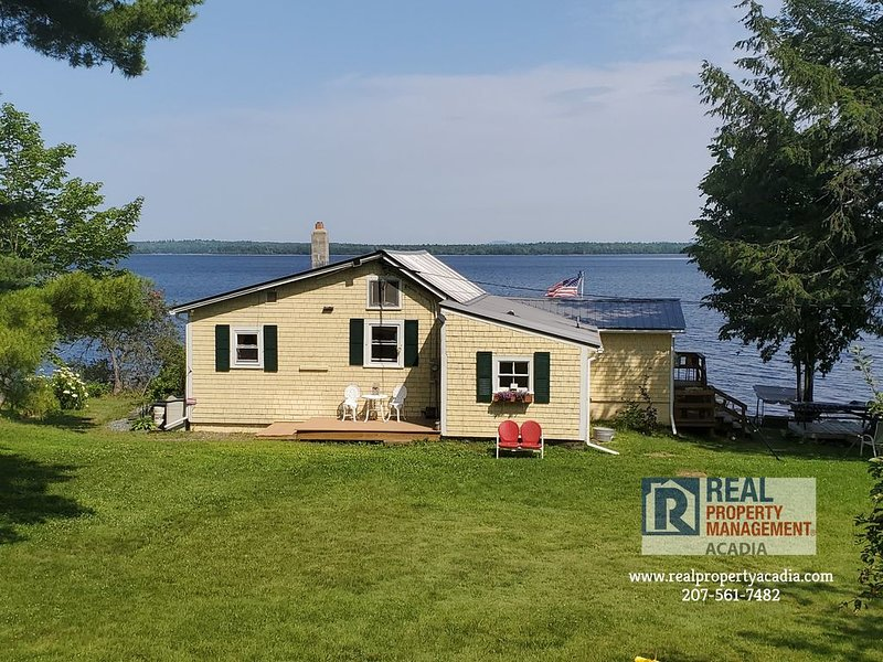 Stunning Lakeside Views on Graham Lake, vacation rental in Aurora