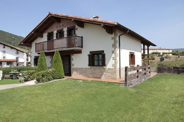 Casa Rural Osabide para 12 personas, holiday rental in Navarra