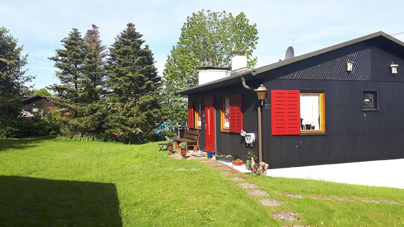 Vedders Bergalm Ferienhaus im Wandergebiet mit Terrasse Garten Kamin Natur Pur, alquiler de vacaciones en Olpe