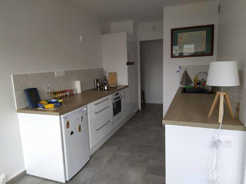 Appartement entier, calme,proche du centre de lyon, holiday rental in Montagny