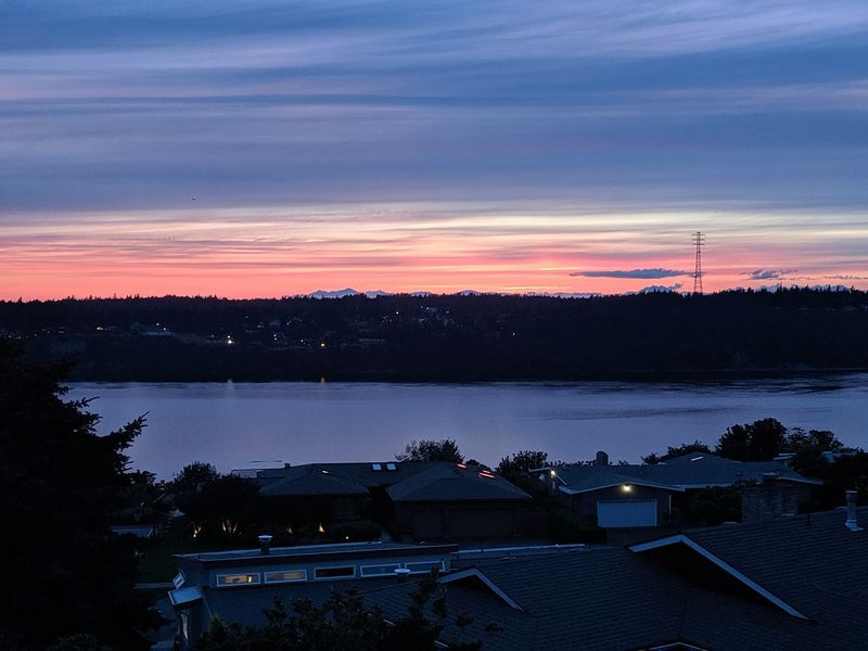 Tacoma Narrows View Home, casa vacanza a University Place