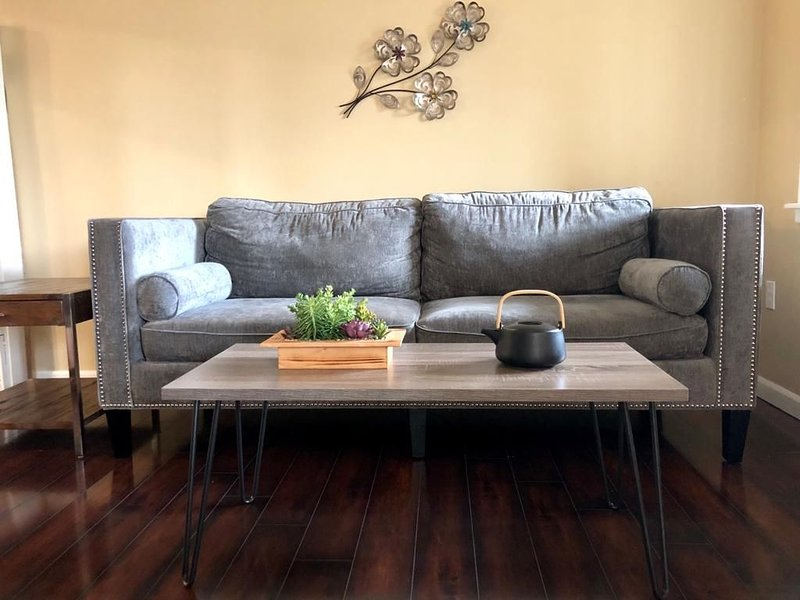 Modern and Perfect Self Contained 4B/2BA Home +  Parking + BART, alquiler de vacaciones en Albany