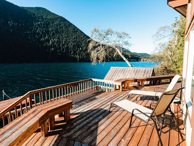 Thompson Point: A pet friendly, lake front retreat, vacation rental in Joyce