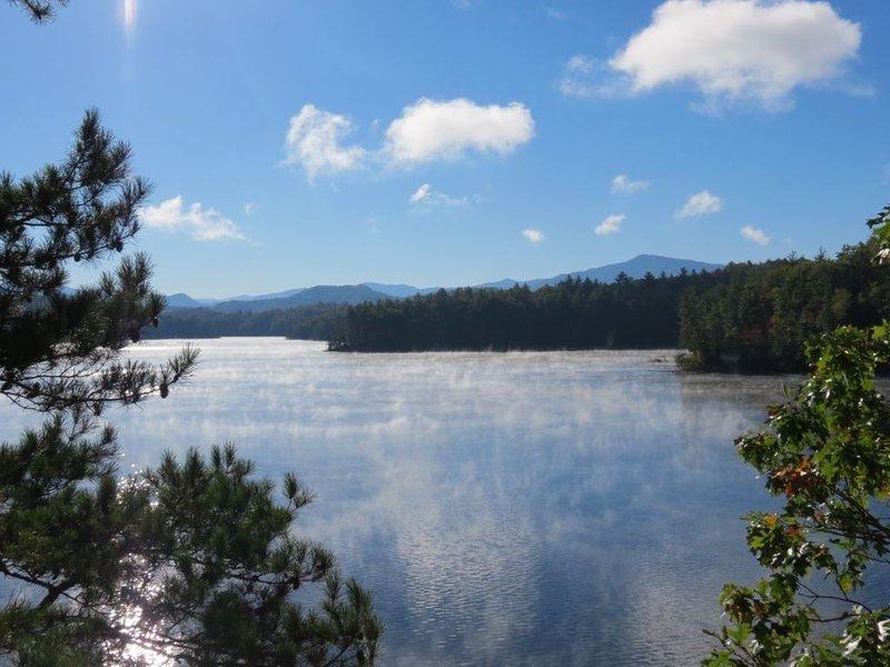 AlpenHaus Large Family Retreat...Summer is Approaching Fast, Book Now!, casa vacanza a Fontana Dam