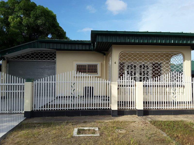 Gezellige vrijstaande woning in een veilige buurt., casa vacanza a Paramaribo District