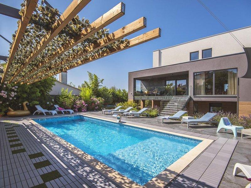 Luxusfinca mit privatem Pool, Wellnessbereich samt Sauna, Fitnessgeräten, Tischt, casa vacanza a Banjole