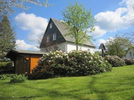 Feriendomizil mit Nähe zu Skipisten und Wanderwegen, holiday rental in Erndtebrueck