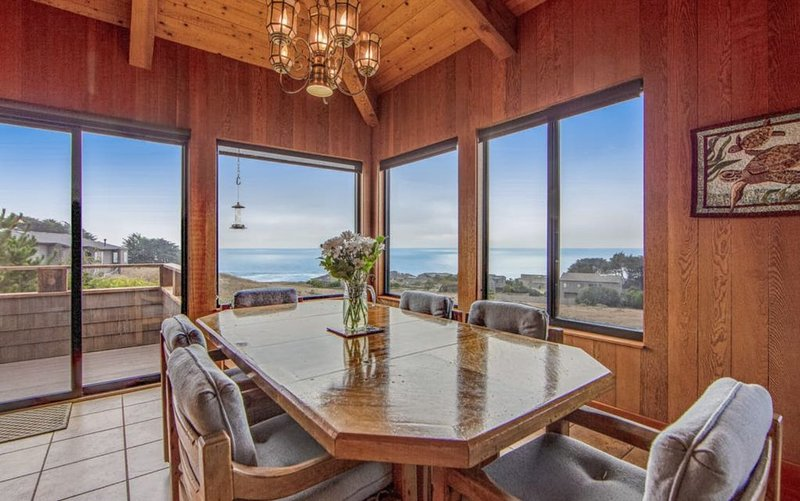 Spacious Sea Ranch Home With Great Ocean Views – semesterbostad i The Sea Ranch